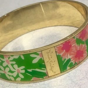 Beautiful Lilly Pulitzer floral bangle!